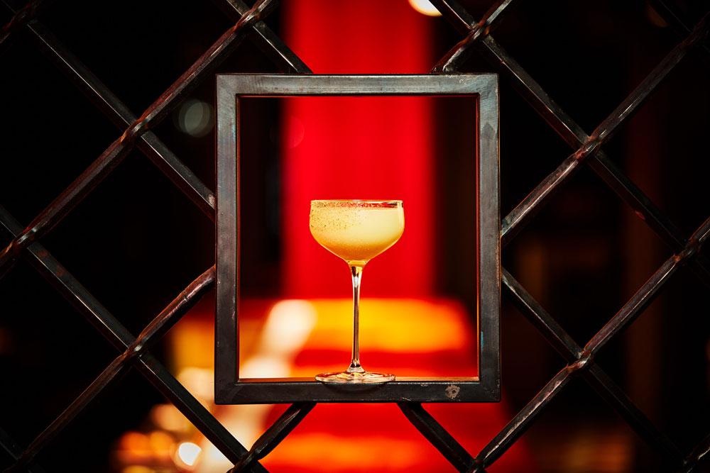 the-grid-bar-cocktail-square-paper-portraits-2020-lens-flair